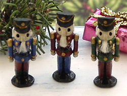 dollhouse miniature Christmas decorations